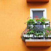 Idősotthon: erkély